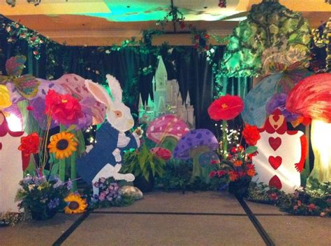 themes and motifs in alice s stories alice in wonderland party ideas alice in wonderland