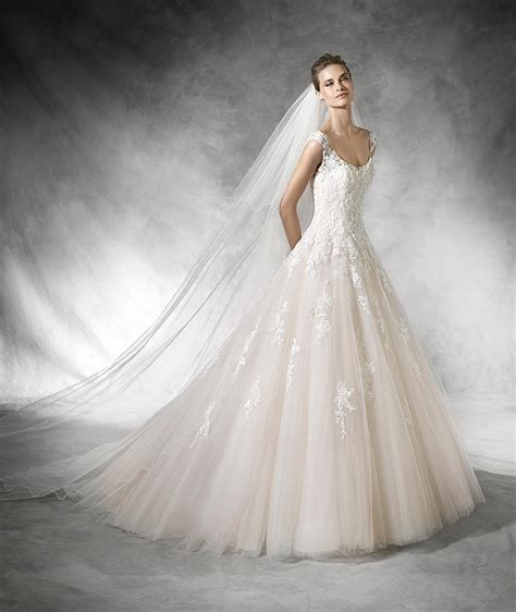 pronovias wedding dresses for sale preowned wedding dresses pronovias bia 1 100 size 10 used wedding dresses