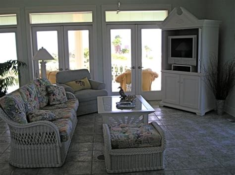 Gulf Coast Upholstery by Before After A House On The Gulf Hooked On Houses