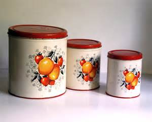 Tin Kitchen Canisters by Vintage Metal Canister Set Decoware Country By Calloohcallay