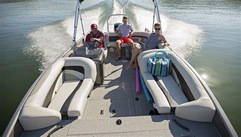 fishing deck boat reviews 2019 sd224 fishing ski aluminum deck boat lowe boats