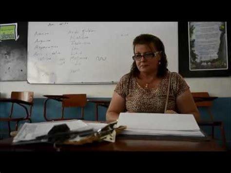 estudiantes en falditas colegio en colombia permite que estudiante transg 233 nero use