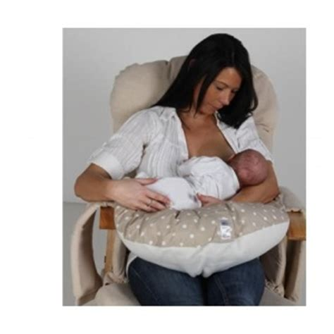 How To Use Nursing Pillow by How To Use A Nursing Pillow Babyprepping