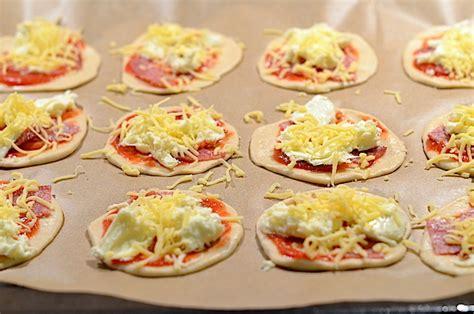Pizza Oven Zelf Maken by Mini Pizza S Maken Uit Pauline S Keuken