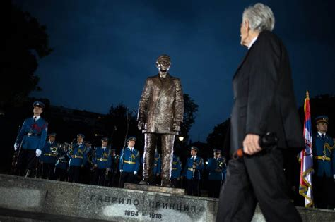 Tv Stand Gavril Serbia Unveils Monument To Wwi Triggering Assassin Gavrilo