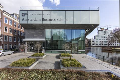 Mba Uva Amsterdam by Barcelona Lecturer Brings Work To School On The