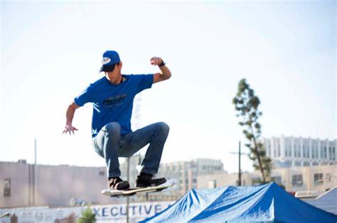 skateboard volante huvr lo skate di ritorno al futuro diventa realt 224