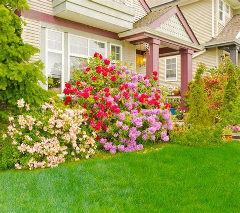 fabulous  welcoming front porch garden ideas