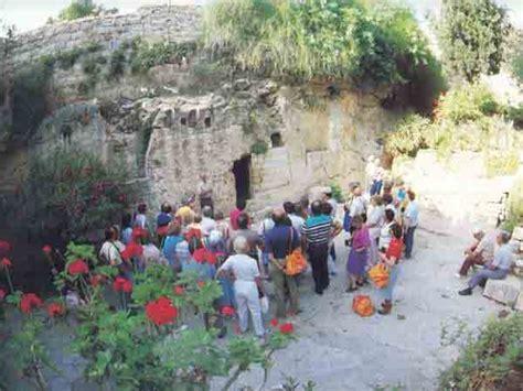 garden tomb  jesus buried   bas library