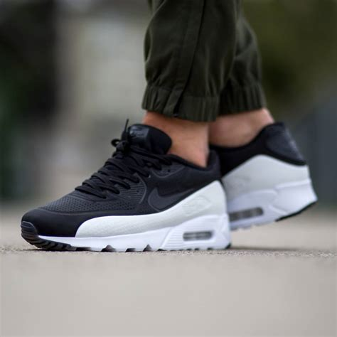 air max 90 ultra moire timeless shades on the nike air max 90 ultra moire