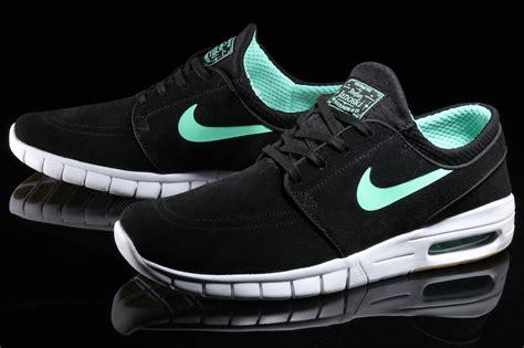 Sepatu Nike Stefanjanosky Max Pria nike sb stefan janoski max black green glow sneaker bar detroit
