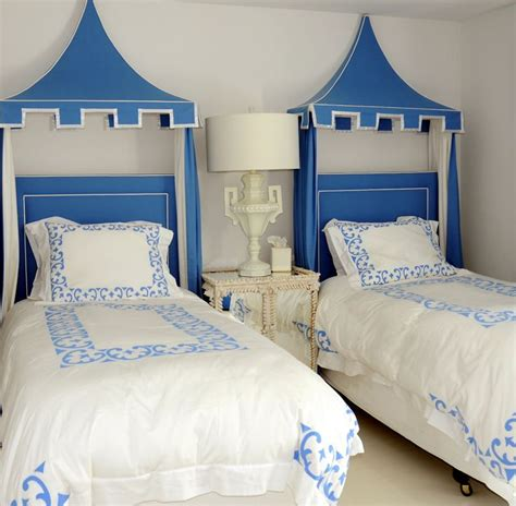chinoiserie headboard blue and white with pagodas overhead decor chinoiserie