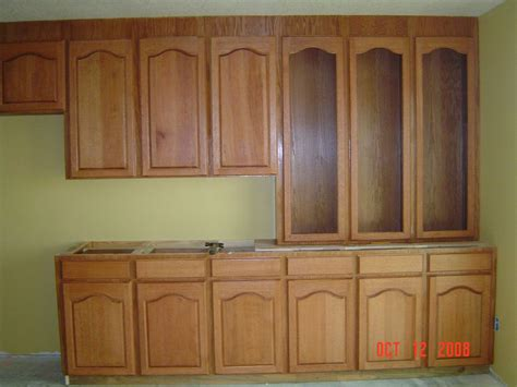 Oak Cabinets In Kitchen Kitchen Cabinets Oak Quicua