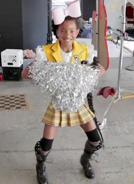 willow smith baby tutti i look della baby star willow smith x sunday times