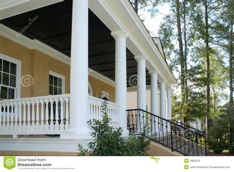 veranda hauseingang front entrance porch stock image image of step pillar