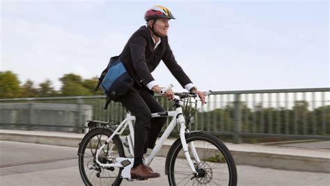 E Bike F Hrerschein by E Bike Und Pedelec F 252 Hrerschein Und Helmpflicht