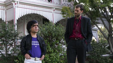 jamie dornan peter dinklage movie peter dinklage and jamie dornan make unlikely friends in