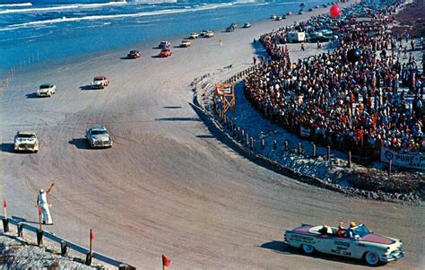 daytona races lucky the daytona race course is temporarily back in business