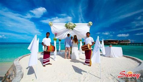 Centara Ras Fushi Resort & Spa Maldives Honeymoon Booking!