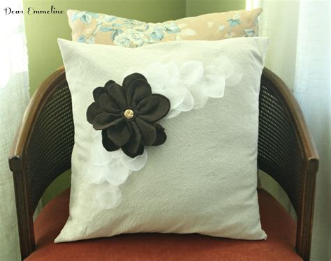 How To Design Pillow Covers - pillowpalooza petal pillow