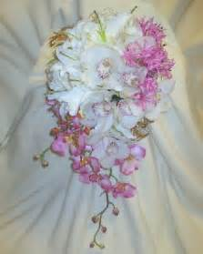 how to make bridal bouquets how to make a wedding bouquet step by step flower tutorial