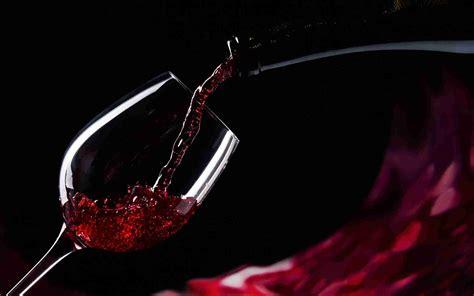 meteo con web vino il consumatore preferisce le bottiglie con lo stemma