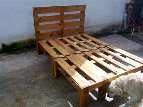 pallette bed diy wooden pallet bed design 101 pallets