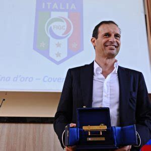 panchina d oro panchina d oro trionfo di allegri repubblica it