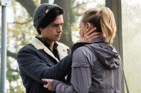 girl with two heads 100 real chill out point an asexual s defense of jughead kissing betty on riverdale
