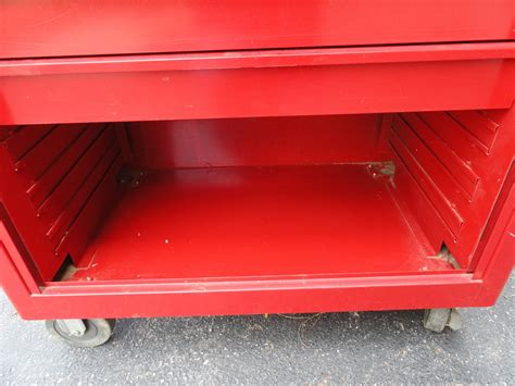 snap on tool bench vtg snap on kra 300f red 8 drawer tambour door rolling