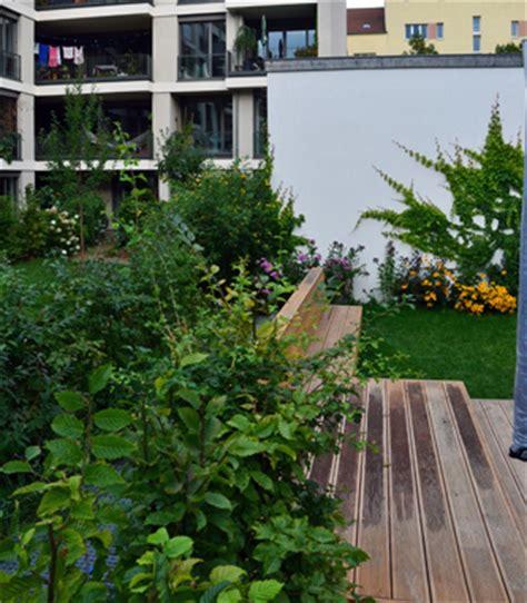 kleine bäume vorgarten garten innenhof nelka dachterrasse balkon innenhof