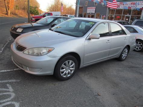 Toyota Camry 4 Cylinder 4t1be32k56u106810 2006 Toyota Camry Le Silver One Owner