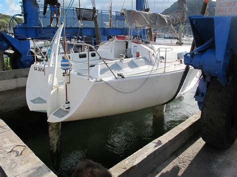 hout bay boat yard ckd boats roy mc bride didi 34 being lifted on the hout