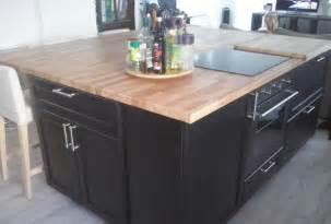 r 233 novation de cuisine sur mesure avec il 244 t central en bois