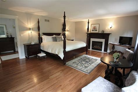 add a caption picture of gables bed breakfast
