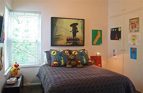 lindos quartos  quadros acima da cabeceira da cama