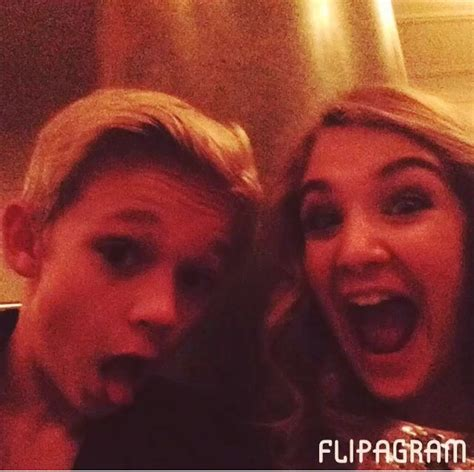book thief hairstyles 38 best sophie nelisse images on pinterest