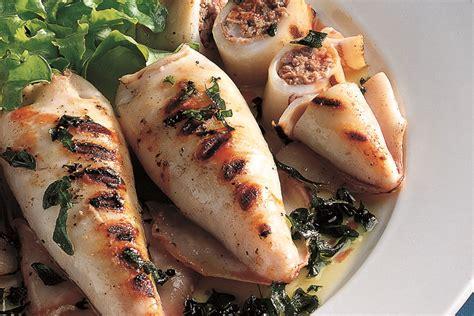cucinare alla griglia ricetta calamari ripieni alla griglia la cucina italiana