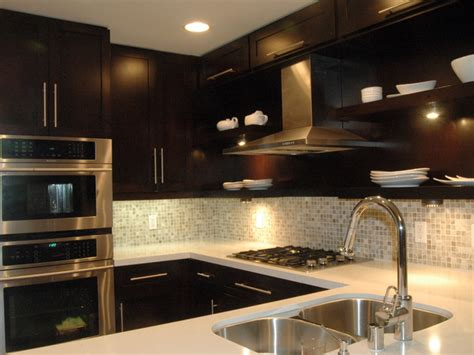 kitchen backsplash with dark cabinets dark cabinet backsplash ideas home designs wallpapers