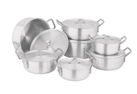 Best Kitchen Pots And Pans by How To Choose The Best And Healthy Cookware For Your Kitchen