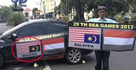 film malaysia gemilang quot i purposely attached the malaysian flag upside down and