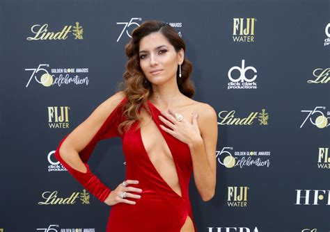 science explains why girls went so crazy for the beatles blanca blanco explains why she didn t wear black to the