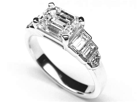 engagement ring horizontal emerald cut step up