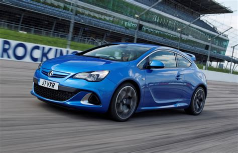 vauxhall astra vauxhall astra vxr review 2012 2015 parkers