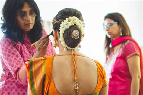 Indian Wedding Hairstyles Buns by South Indian Bridal Hairstyles For Receptions