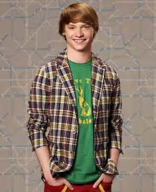 And Ally Dez Calum Worthy Dez Images Dez Wallpaper And Background