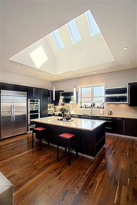 kitchen with vaulted ceilings ideas vaulted ceiling kitchen ideas espacios felices happy