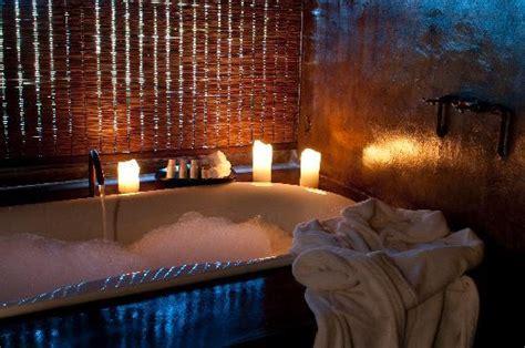 romantic bath kwena lodge bedroom picture of gondwana
