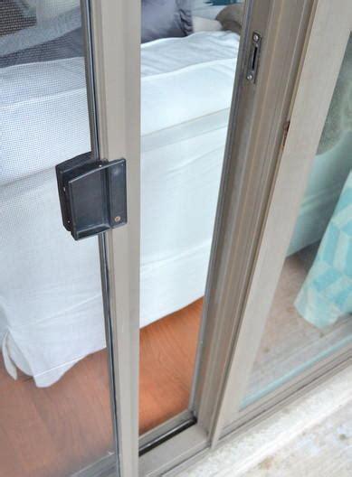 Re Screen Door by How To Re Screen A Sliding Door Diyideacenter