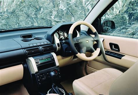 land rover freelander 2002 interior land rover freelander station wagon 2003 2006 photos